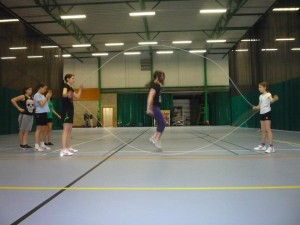 Rope-skipping double dutch